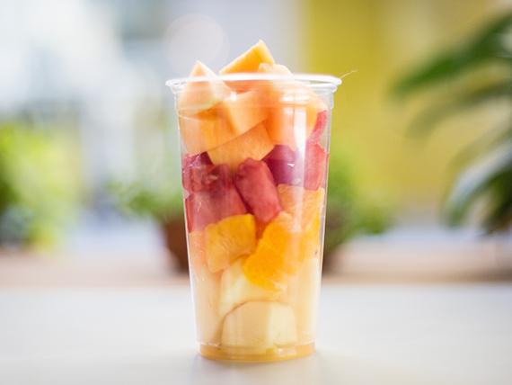 Frutas de estación cortadas