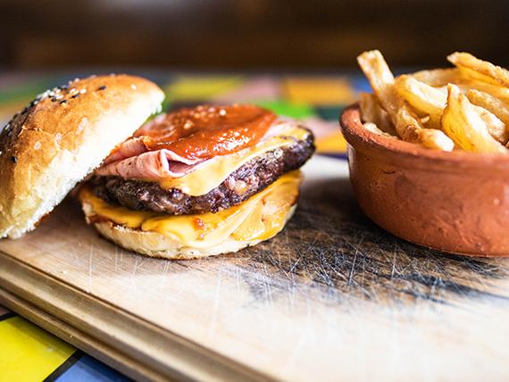 1 - Bocata de hamburguesa Sterling Cooper con guarnición