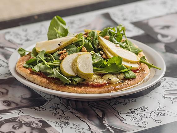 Pizzeta integral con rúcula, peras y queso azul