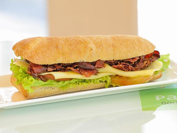 Bocatta sándwich crispy bacon
