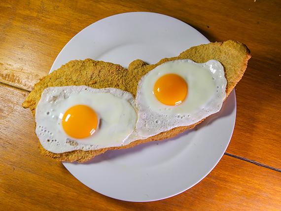 Milanesa Egg con guarnición