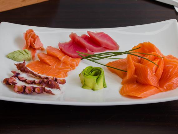 Sashimi del chef mixto (9 cortes)