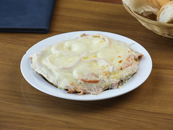 Sándwich caliente napolitano
