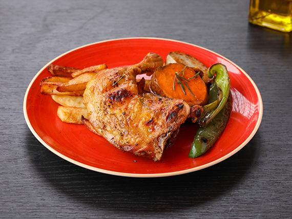 1/4 pollo al spiedo con verduras asadas y papas rústicas