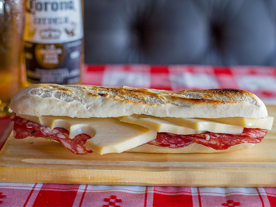 Sandwich salame de campo