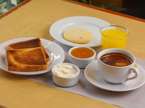 Desayuno o merienda a la francesa