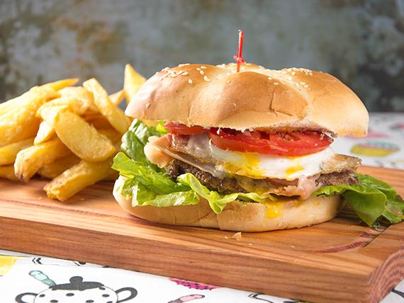 Menú ejecutivo - Hamburguesa completa + Papas fritas + Gaseosa en lata