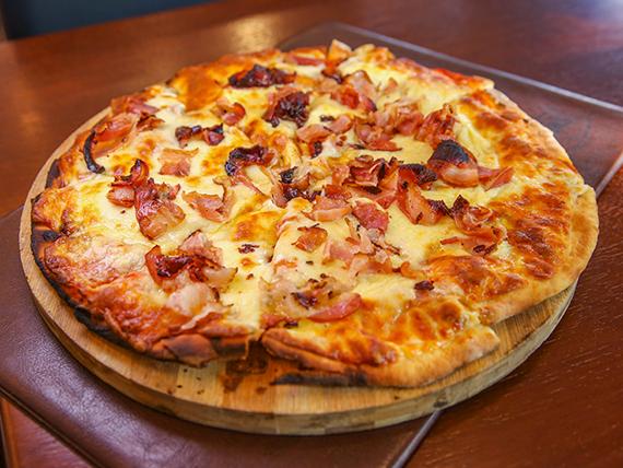Pizzeta con mozzarella y panceta