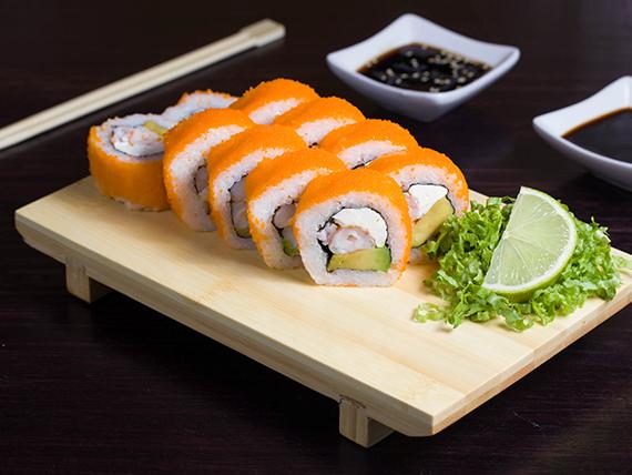 Rolls de camarón furay y queso envuelto en un arcoíris de salmón y palta