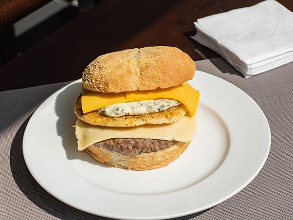 Hamburguesa gourmet doble cuatro quesos