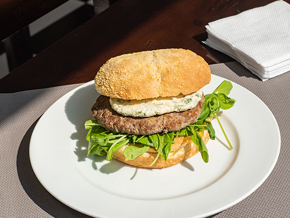 Sándwich de lomito gourmet al roquefort