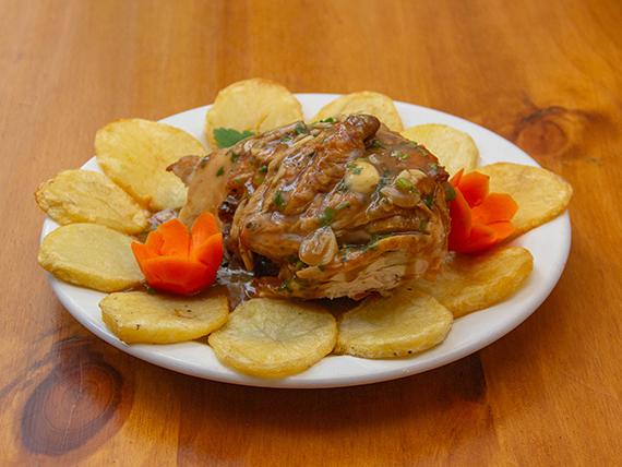 ¼ pollo a la provenzal con papas a la española