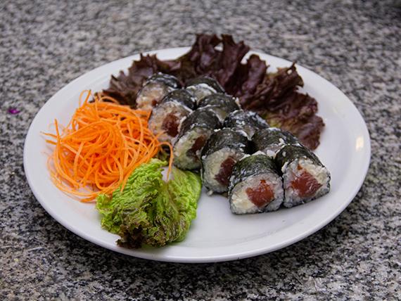 Salmon Ahumado maki (10 piezas)