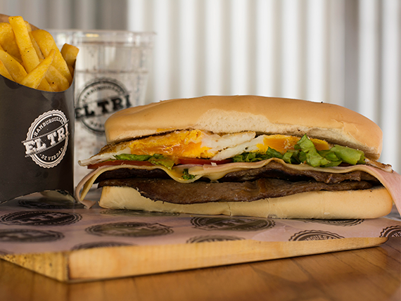 Sándwich de churrasquito completo