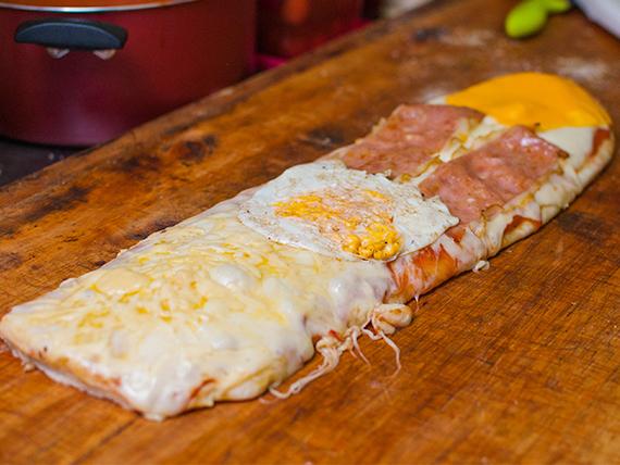 Metro de pizza muzzarella con gustos