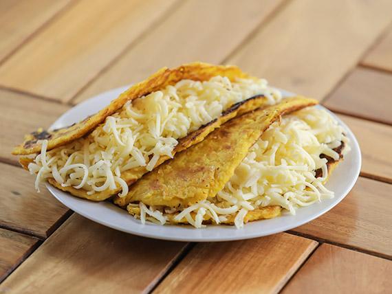 Cachapas con queso y asado negro