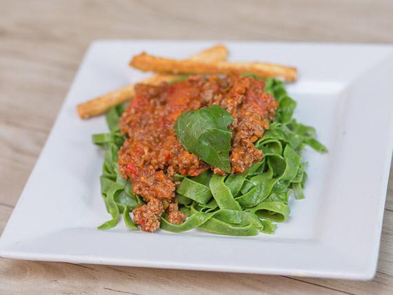 Fetuccini de espinaca con salsa a elección