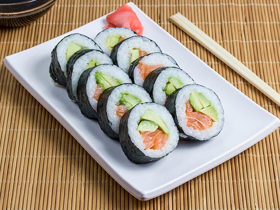 Sake Maki (envuelto en nori)