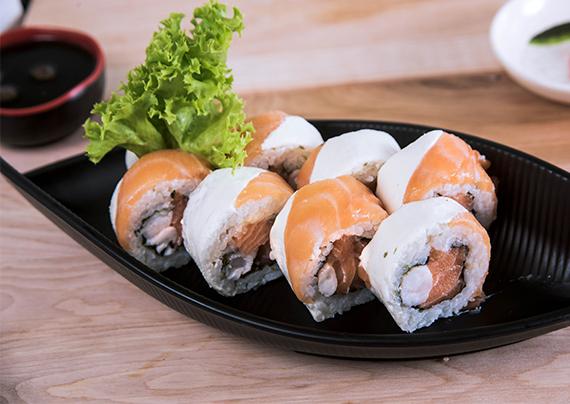 Sakebi roll (8 unidades)
