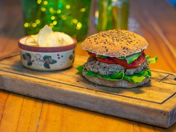 Sándwich burger con papas de copetín