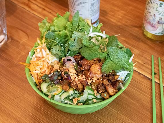 Bún thit núong (comida vietnamita)