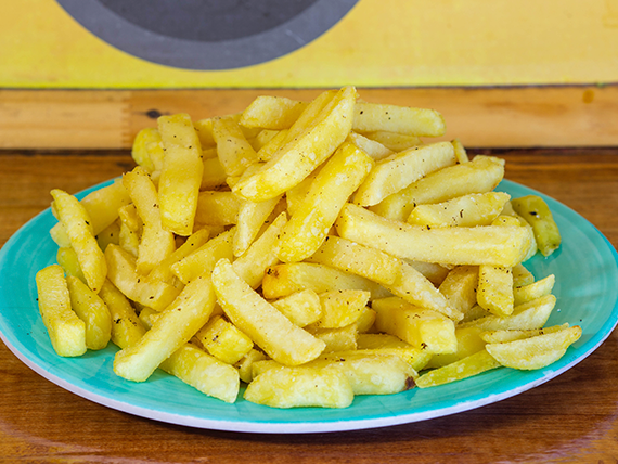 Porción de papas fritas grandes (400 g)