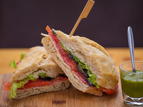 Sándwich de salame