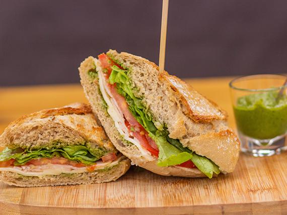 Sándwich de pesto