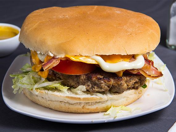 Hamburguesa con queso y tocino