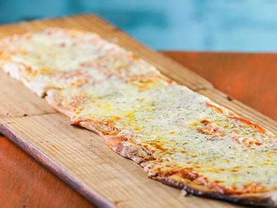 Promo 1 - Metro de pizza con muzzarella