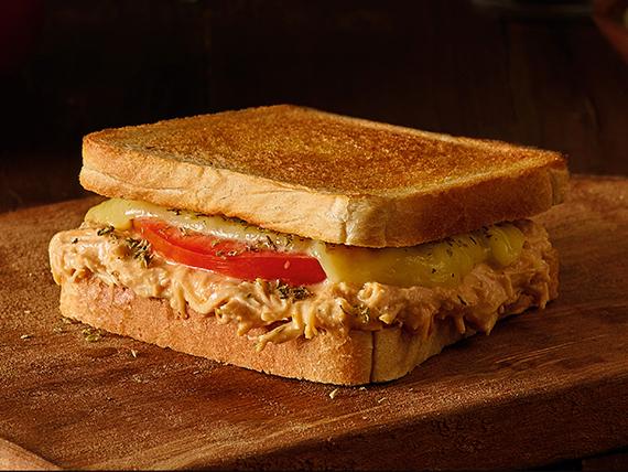 Desayuno - Sándwich planchado de ave napolitano