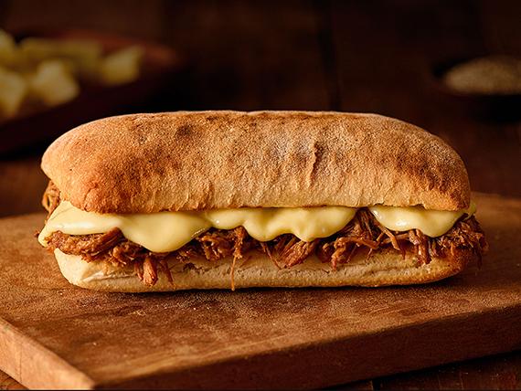 Sándwich de carne mechada luco