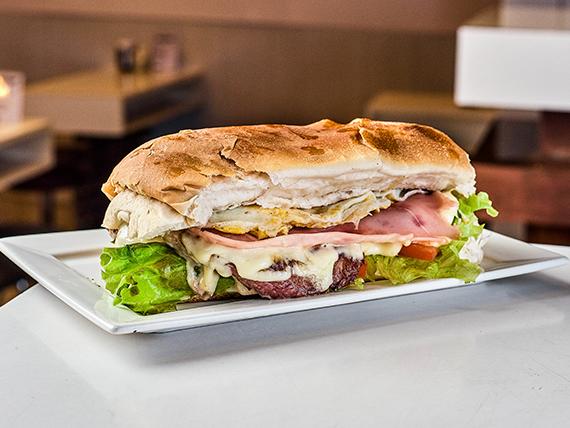 Sándwich de lomo Junior
