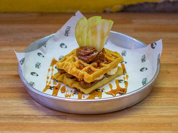 Waffles con banana y dulce de leche
