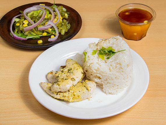 Colación 1 - Filete de pollo a la plancha + arroz + ensalada + pan + postre