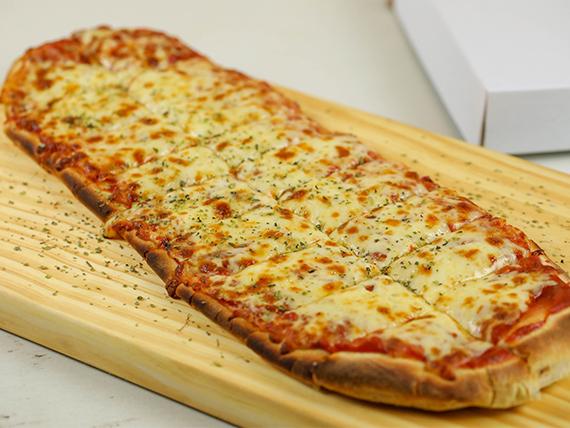 Metro de pizza con muzzarella