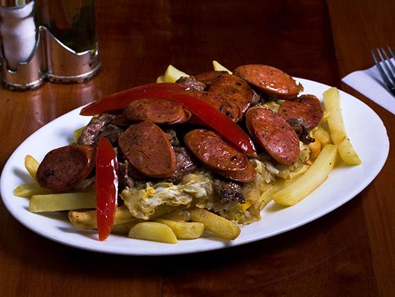 Chorrillana de carne (para 2 personas)