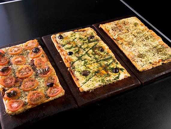 Promoción - 3 medias pizzas (muzzarella, napolitana y provenzal)