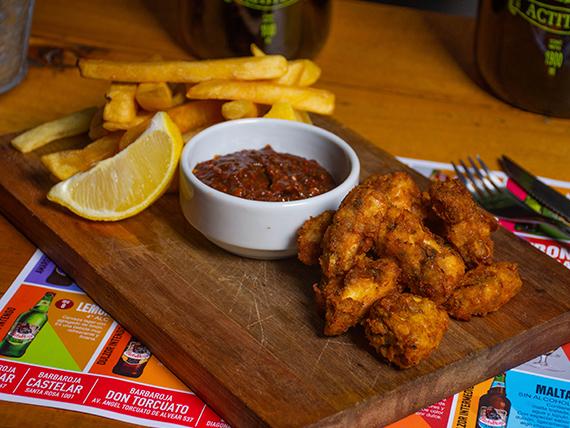 Pollo crocante con papas fritas
