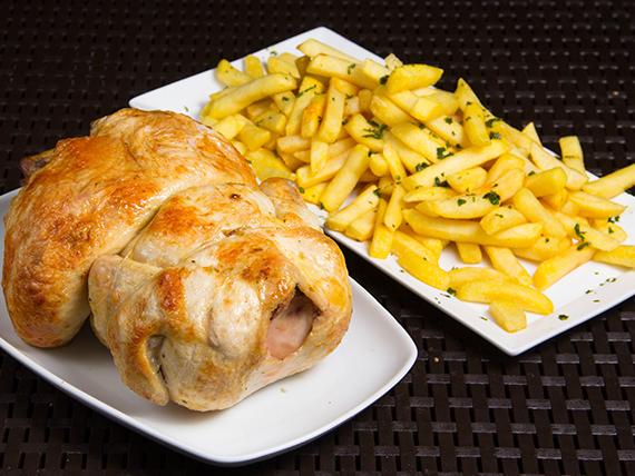 Pollo entero con papas fritas + bebida Coca Cola 1.5 L
