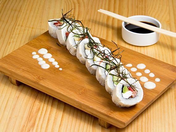 32 - Sake cheese roll (8 piezas)