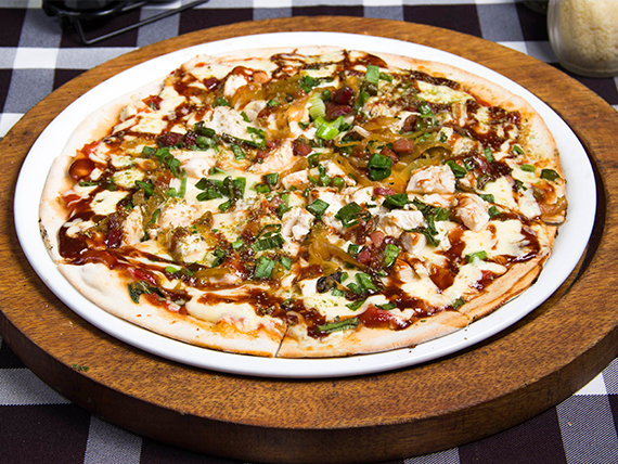 Pizza texas style (8 porciones)