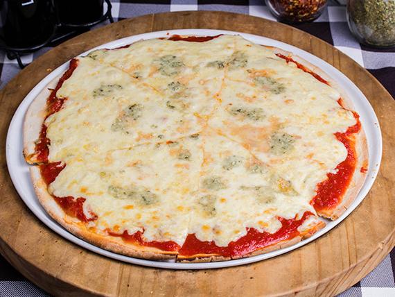 Pizza quattro quesos (8 porciones)