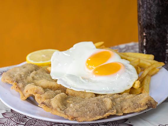 2 - Milanesa de carne con papas fritas y huevo frito + gaseosa o agua saborizada 600 ml
