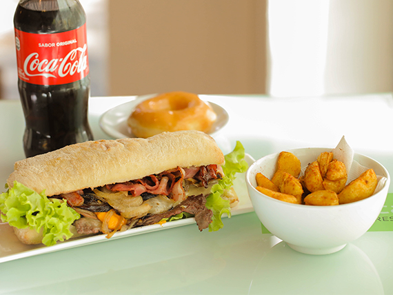 Promo - Chivito del chef + papas fritas + donuts + refresco 600 ml