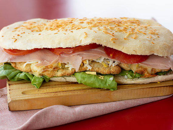 Sándwich de pollo Entre Amigos