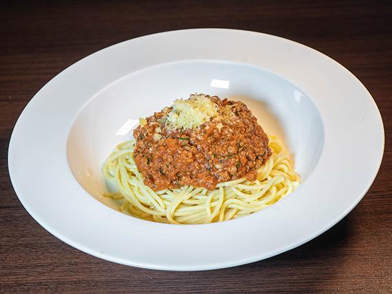 Spaghettis a la bolognesa