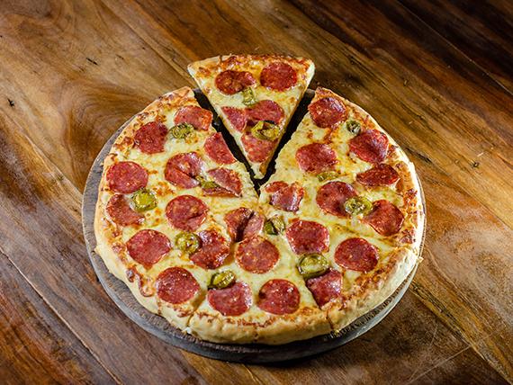 Pizza especial con salamino