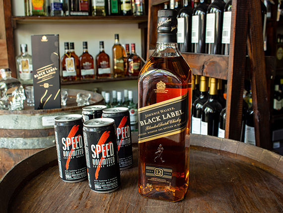 Combo - Whisky Black Label 1 L + 4 energizantes Speed 250 ml