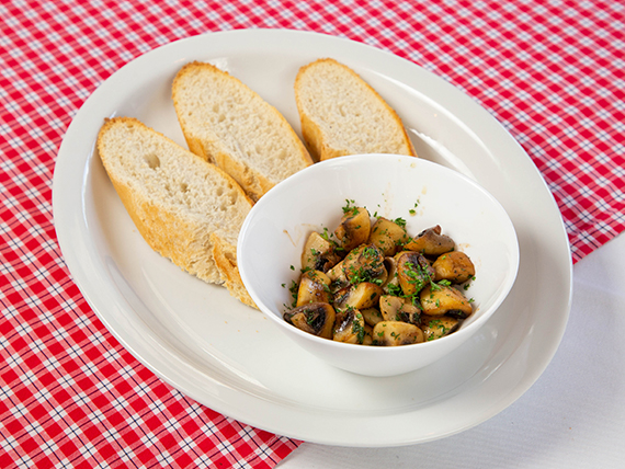 Funghi aglio e olio